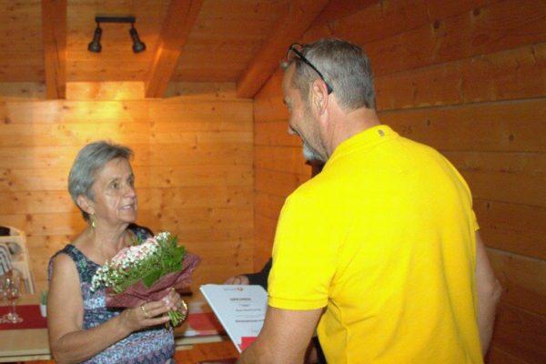 Sauerschnig Rosa: USC-Mitglied seit 1991 - Reinigung u.Kassiererin - Ehrenzeichen in Bronze