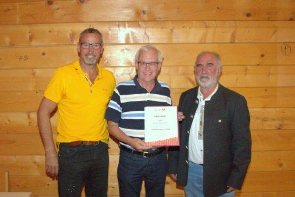 Pletzenauer Walter: USC Mitglied seit 1975 - USC-Kassier- Ehrenzeichen in Gold  für die  langjährige ehrenamtliche Tätigkeit um die Sportunion und ihre Mitglieder